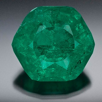 50 5 carat emerald discovered by gem enthusiasts at mine